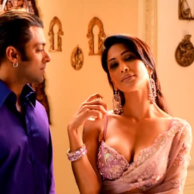 01 Hindi Aimee Maghera